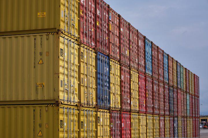 «Industrie exportiert verbotene Pestizide»
